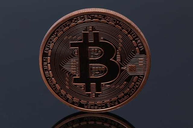 milyen évben jelent meg a bitcoin