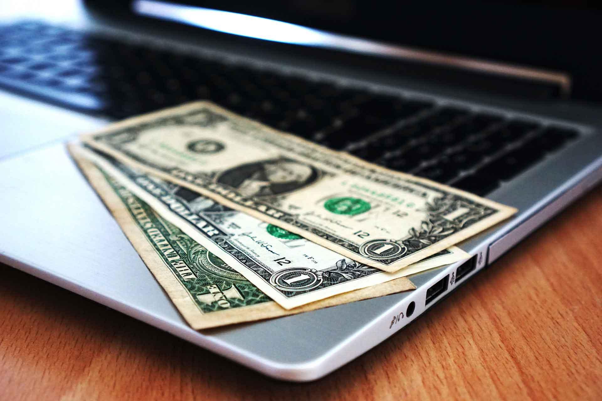 az internetes pénzkeresés csapdája illetlen pénzt keresni