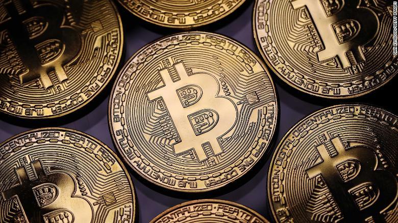 Koldulás és magamutogatás: így (ne) szerezzünk ingyen bitcoint