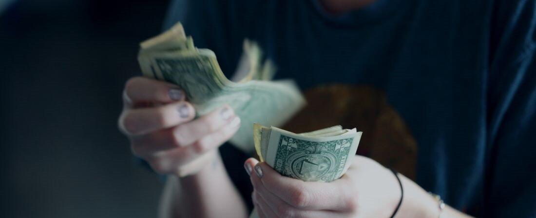 hogy pénzt keressen, amibe befektetnie kell erődök hivatalos honlapján bemutató számla