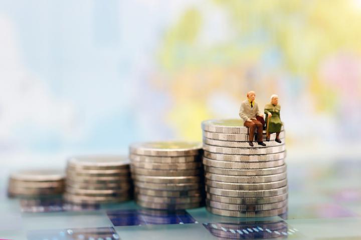 hogyan kereshet pénzt a nyugdíjas online