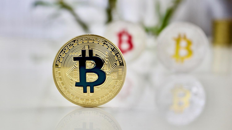 hogyan lehet pénzt befektetni a bitcoinba