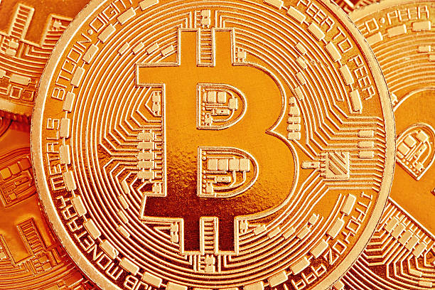 mennyit lehet keresni a bitcoin-értékeléseken