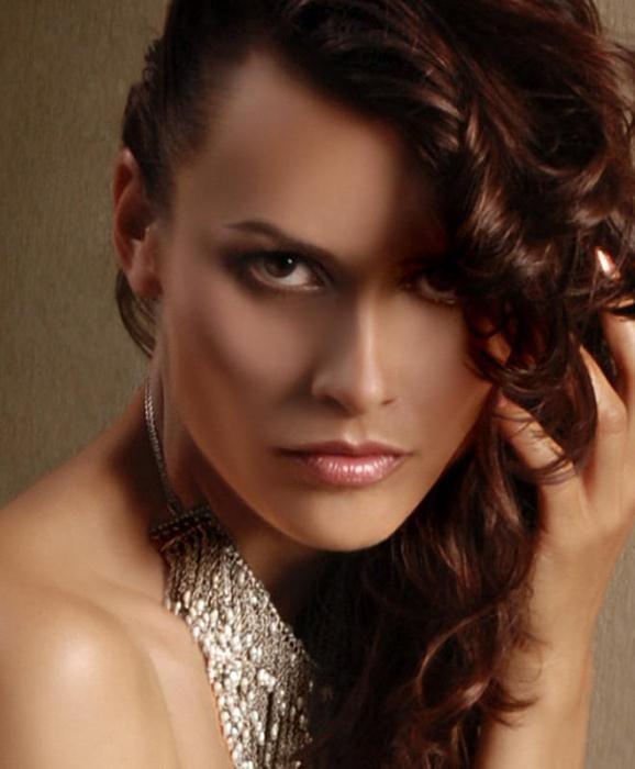 Masha Kalinina pénzt keres