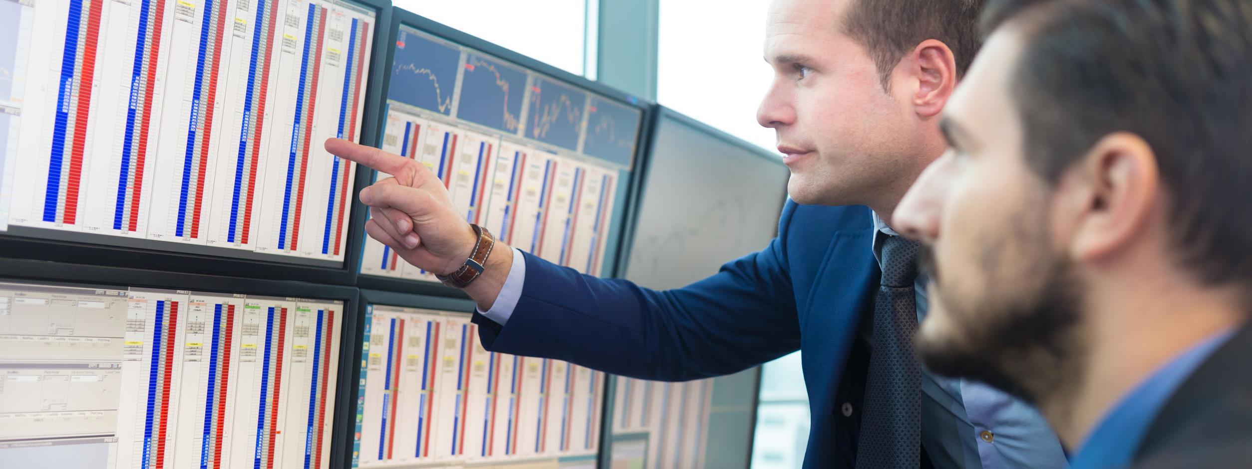 bináris opció napi kereskedések pénzt keresni egyenesen